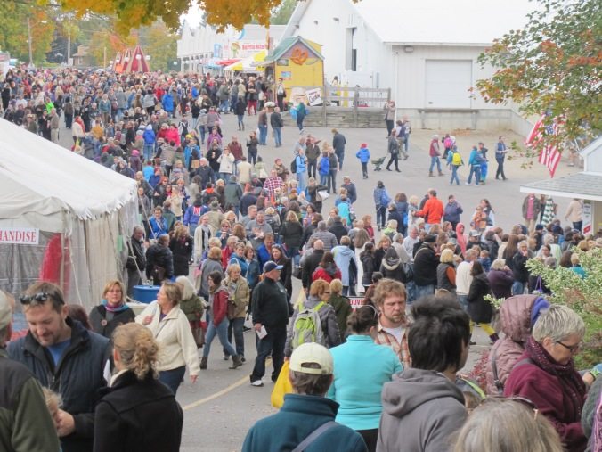 Saturday crowds